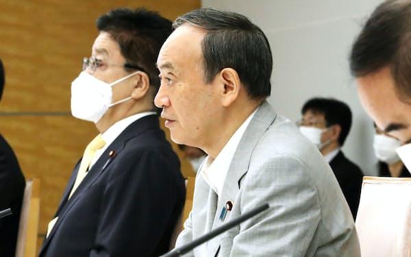 交通安全対策に関する関係閣僚会議で発言する菅首相(4日午前、首相官邸)