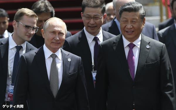 中国とロシアは工作活動による力の行使を得意とする(2019年)=共同