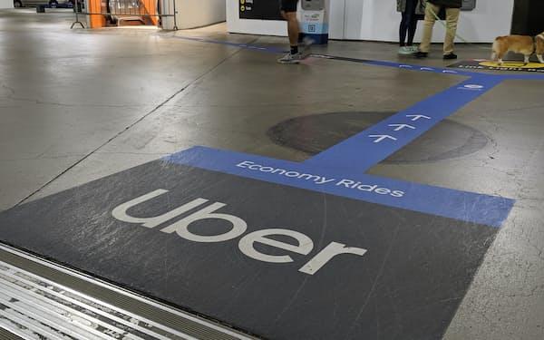 経済再開に伴い空港などでライドシェアの利用が増えた(米シアトルのタコマ国際空港)