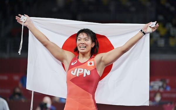 金メダルを獲得した川井梨紗子選手(5日、千葉市)