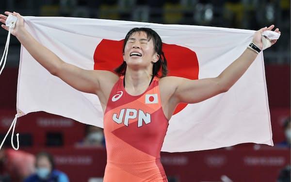 レスリング女子57キロ級で金メダルを獲得した川井梨紗子