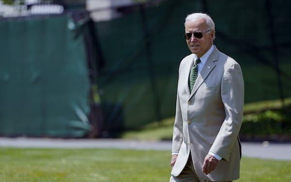 バイデン米大統領は上院での「超党派」の演出に腐心した(6日、ワシントン)=AP