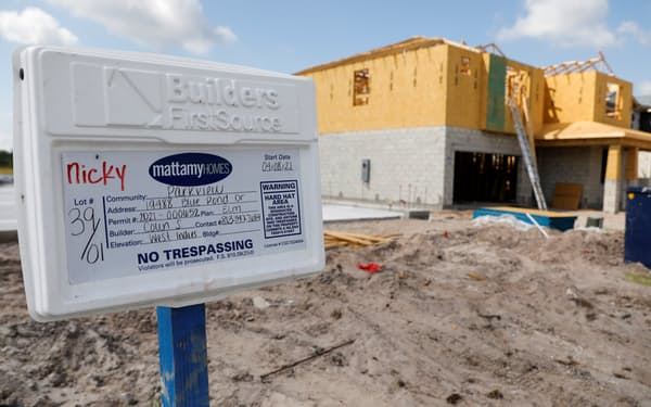 建設員不足で新築住宅の供給が遅れている(米フロリダ州)=ロイター