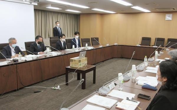 グローバルヘルス戦略推進協議会の会合には外務、厚労、財務など各省が参加する