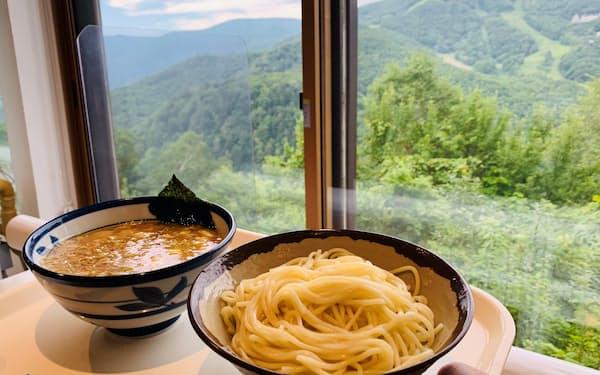 志賀高原の景色を楽しみながら味わうことができる