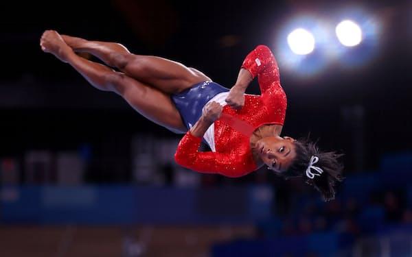 米体操女子のバイルス選手は個人総合などを棄権した=ロイター