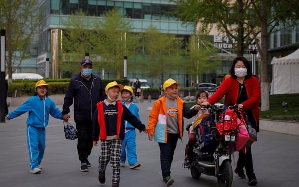 中国政府は行き過ぎた教育熱を抑えようと躍起になっている(北京市)=ロイター
