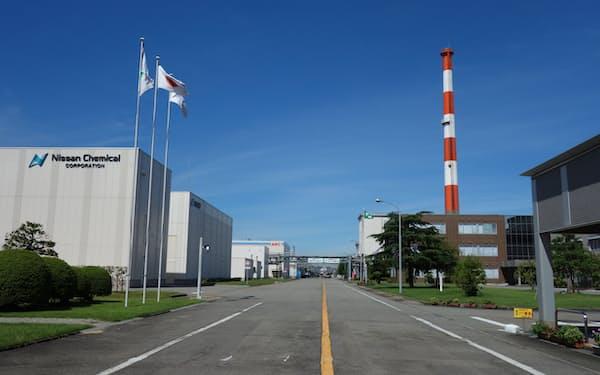日産化学は富山工場で手掛けているメラミンの生産を停止する