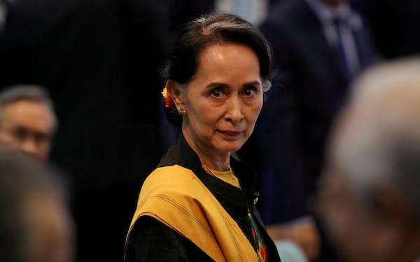 国連はミャンマーのアウン・サン・スー・チー氏率いる政党が解党されると懸念する=ロイター