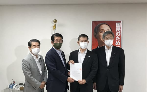 自民党新潟県連は11日、柴山幹事長代理に申し入れした