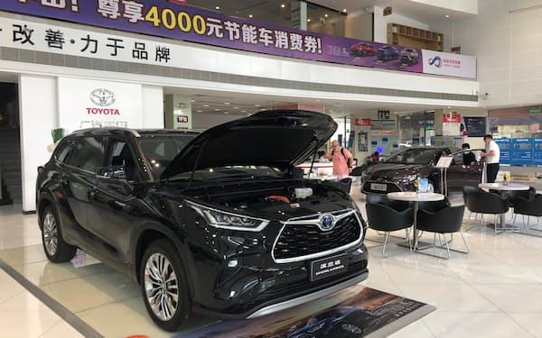 トヨタ自動車の7月の中国新車販売は前年実績を上回ったが先行きに不透明感もある(広東省広州市の販売店)