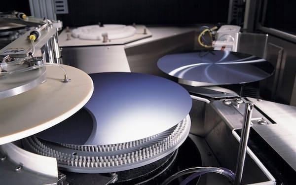 ディスコは装置の動きを制御するために使う半導体の種類を9割減らす(ウエハー加工装置)