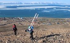 温暖化の脅威に北極域から迫る 氷河のわずかな動き測定