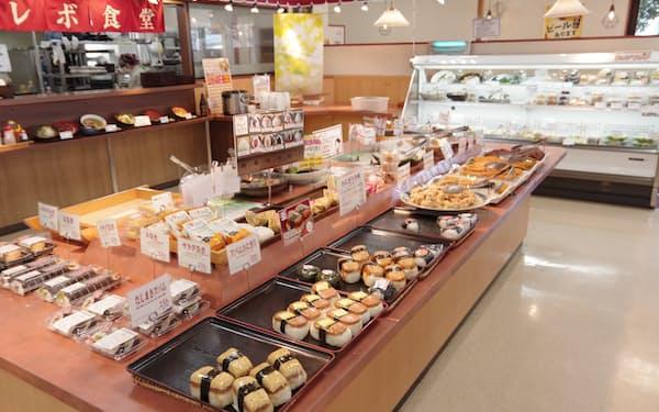 大津屋が運営するオレボステーションには総菜や弁当が並ぶ(福井市のフェニックス店)