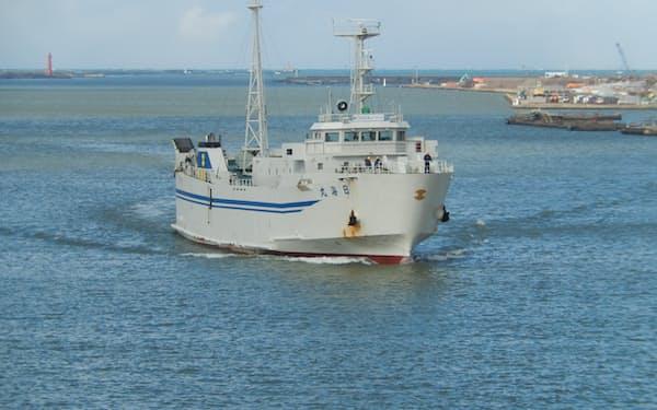 佐渡汽船の日海丸