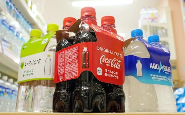日本コカ・コーラのラベルレスペットボトル飲料(東京都大田区のウェルパーク池上店)