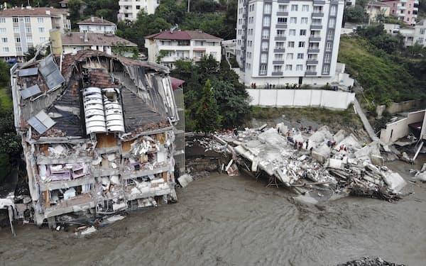 トルコでは洪水による被害が拡大している=AP