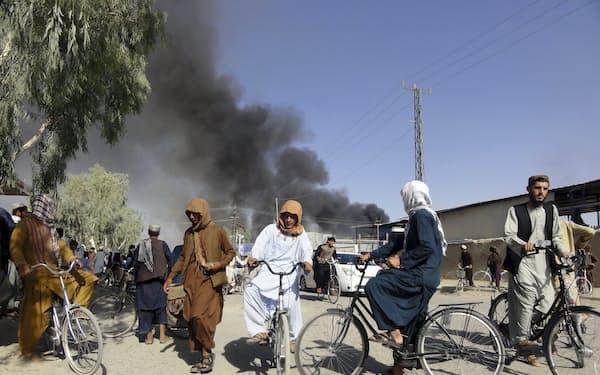 アフガニスタンでタリバンが攻勢を強めている(12日、カンダハル)=AP