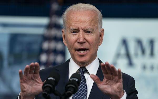 バイデン米大統領は14日の声明で「私はアフガニスタン駐留米軍を指揮する4人目の大統領だ。この戦争を5人目に引き継がない」と強調した=AP