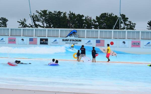静波サーフスタジアム(静岡県牧之原市)は16日に開業した