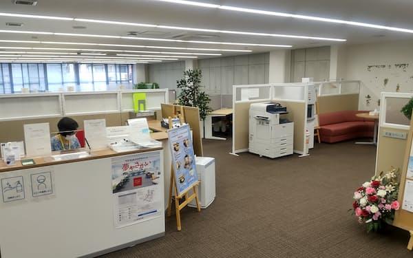 大阪信金は自らが運営するインキュベーション施設に入居する企業の人材を地元の中小企業に紹介する(堺市の「夢やさかい」)
