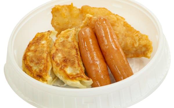 子ども食堂に提供するお弁当は、ギョーザやソーセージなどがおかずとなる