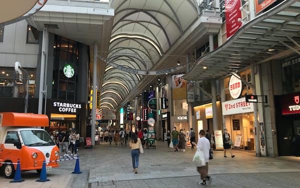 これまでより対策を厳しくし、人出を減らす狙い(広島市中心部の商店街)