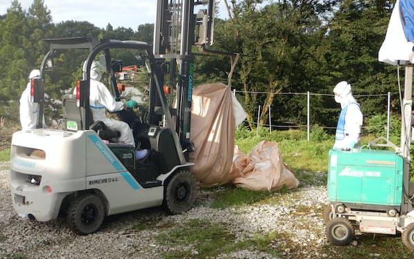豚熱が確認された養豚場での殺処分を進めてきた(8日、群馬県桐生市)