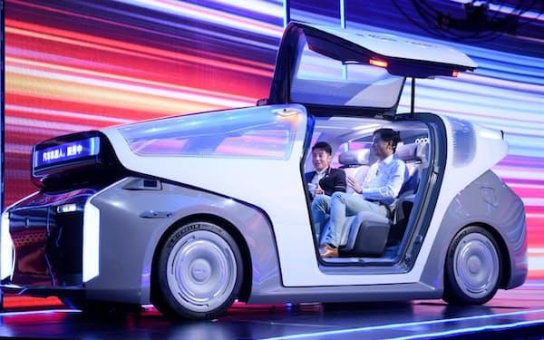 百度が18日にお披露目した自動運転車のコンセプト車「ロボットカー」
