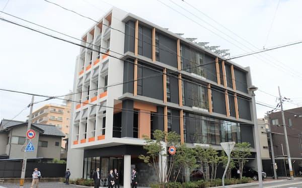 福井本店ビルは環境性能や快適性に関する新技術の実証にも活用する(福井市)