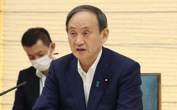 菅首相はテレワークの徹底を求めた(5日、首相官邸)