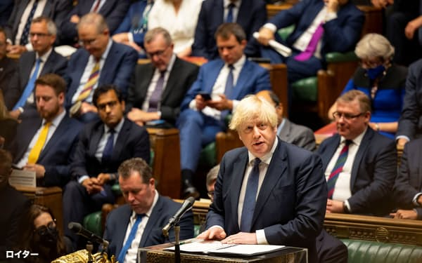 アフガン情勢を巡る18日の英議会下院の議論でジョンソン首相は防戦一方を強いられた=ロイター