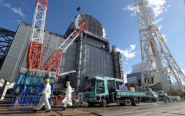 廃炉作業が続く福島第1原発(2021年2月、福島県大熊町)