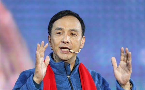 16年の総統選で蔡英文氏に敗れ、党主席を辞任した朱立倫氏。国民党のトップに返り咲きを狙う(16年1月)=ロイター