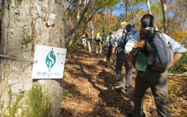 信越トレイルは自然や集落を歩くことを楽しむ