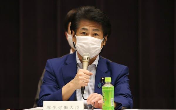 田村厚労相は臨時の医療施設の整備に言及した