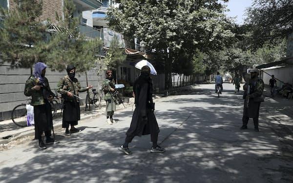 米軍の撤収が完了する前にタリバンがアフガンを掌握した=AP