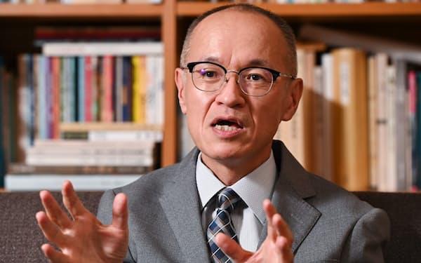 おおさわ・けんいち 1962年岩手県生まれ。大阪市立大学卒業後、大阪市立博物館で学芸員として勤務。中世から江戸時代初期の大阪の変容を、町歩きや絵図などの資料から読み解いている。2020年、大阪歴史博物館館長に就任。