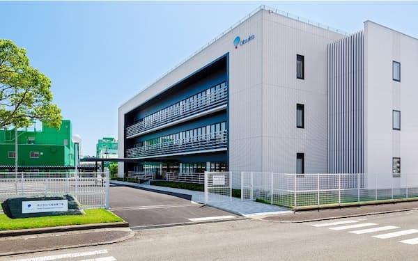 大塚製薬工場は富士通とがん患者の栄養不足を予測するサービスの共同研究を始める(徳島県鳴門市の本社)