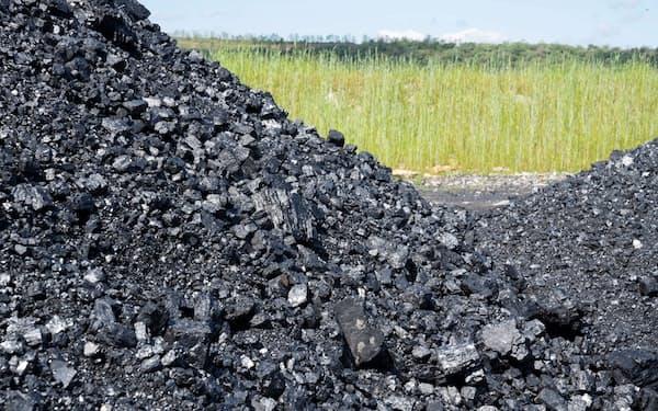 脱炭素が叫ばれるなかでもアジアの需要は増加している(米バージニア州の炭鉱=ロイター)