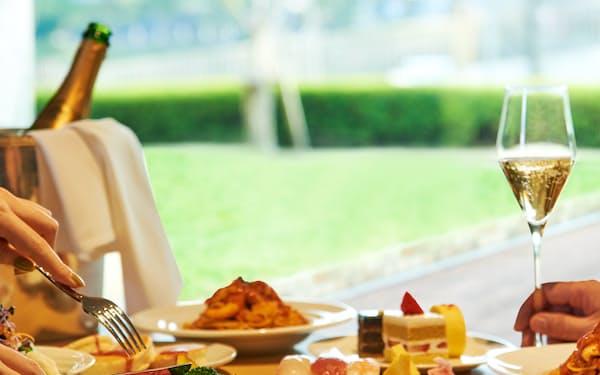 ニューオータニ大阪では大阪府民は通常より約2000円安い料金でランチビュッフェを楽しめる