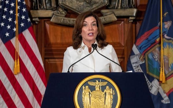 ニューヨーク州知事に就任したキャシー・ホークル氏=ロイター