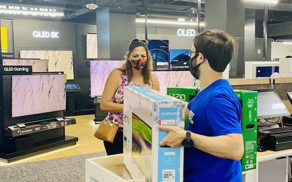 家電量販店のベストバイはテレビなどの家電の返品済み商品を割安で販売する実験店を新たに開く