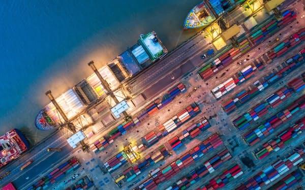 国内の貿易業務の電子化で、効率化を図る(コンテナ港のイメージ)