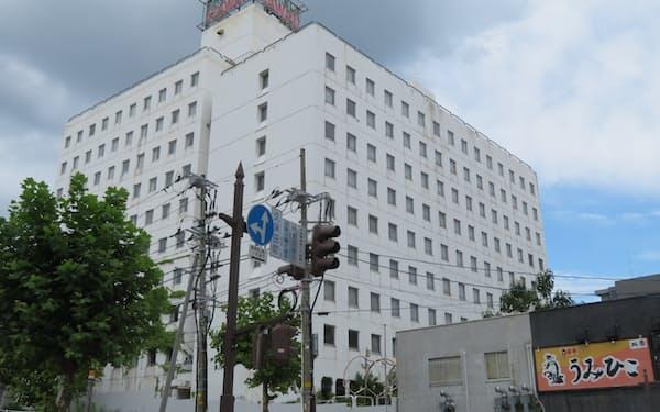 旧ホテルハワイ駅前店は9月下旬にも解体工事が始まる(秋田市)