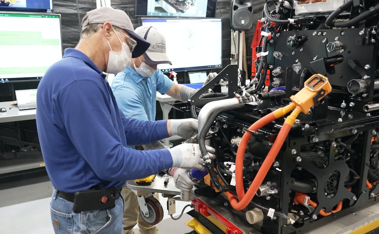 燃料電池モジュールは水素を動力源とする大型トラックへの搭載を予定する(トヨタ提供)