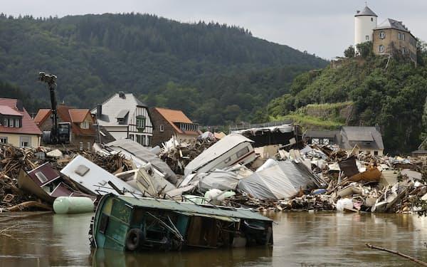 ドイツでは7月の豪雨による洪水が大きな被害をもたらした=ロイター
