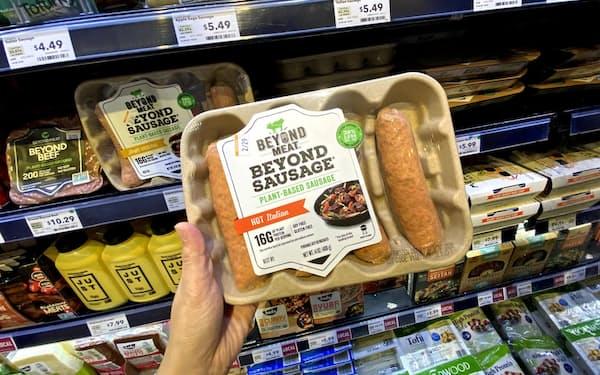 ビヨンド・ミートの代替肉を使ったソーセージ(米カリフォルニア州のスーパー)