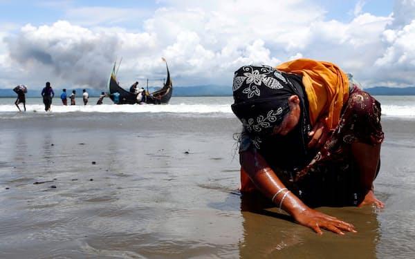2017年9月、バングラデシュに逃れたロヒンギャの女性=ロイター