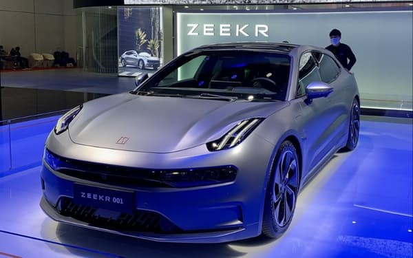 ZEEKRは高級EVを手掛ける(4月、上海)